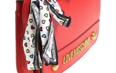Shop from the Spring Summer 2018 collection in our Boutique in Saronno. For order /per info  WhatsApp +39 3927284124 Corso Italia 7/9, Saronno #gioandgio #lovemoschino #newcollection #2018 #mix #shopping